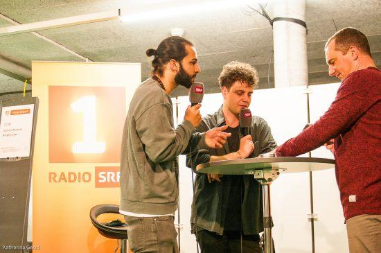 Exposition, Radio
